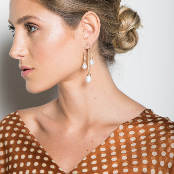 Lilli Dangle Earrings - Pearl