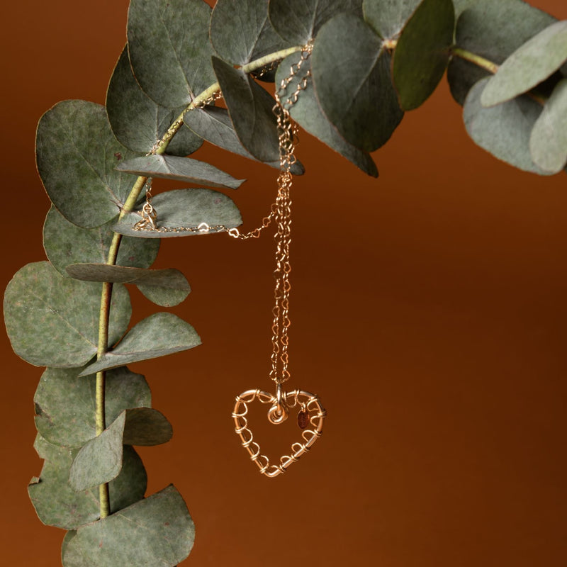 Amare Hearts Necklace - Yellow Gold - TARBAY