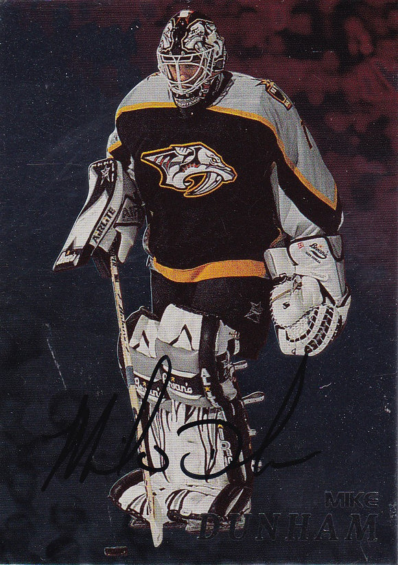 Mike Dunham 1998-99 Be A Player Autograph card # 72