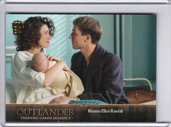 2019 Cryptozoic Outlander Season 3 card #8 Gold Fraser Crest Parallel
