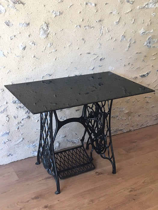 Table Basse Plateau Verre Pied Fer Forge O Collector