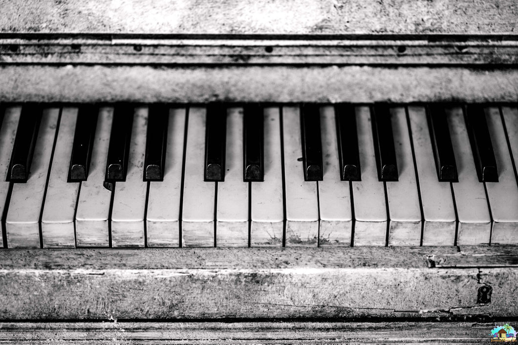 B&W Piano Diamond Painting
