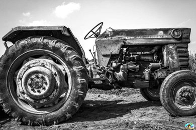 B&W Trucktor Diamond Painting