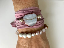 Load image into Gallery viewer, Rose Quartz Howlite Bracelet