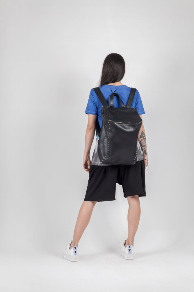 Quadrate  leather backpack