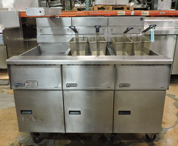 Pitco Solstice SG14R Double 40-50 lb Gas Fryer W/ Dump Station / Warmer