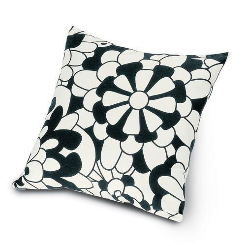 "Vevey B&N cushion 16"" x 16"""