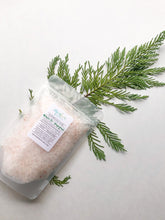 Load image into Gallery viewer, Winter Fir & Grapefruit Salt Soak
