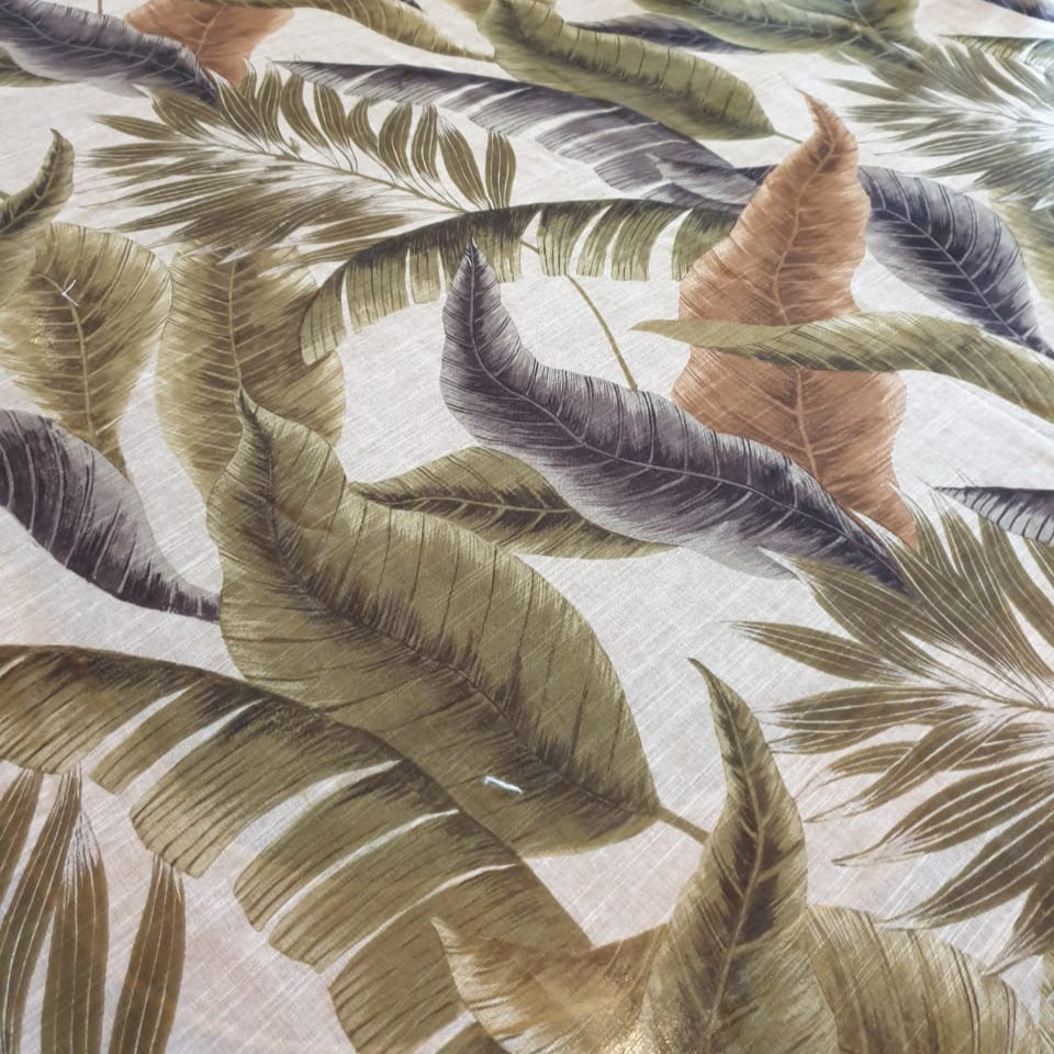 Winter Leaves Table Cloth