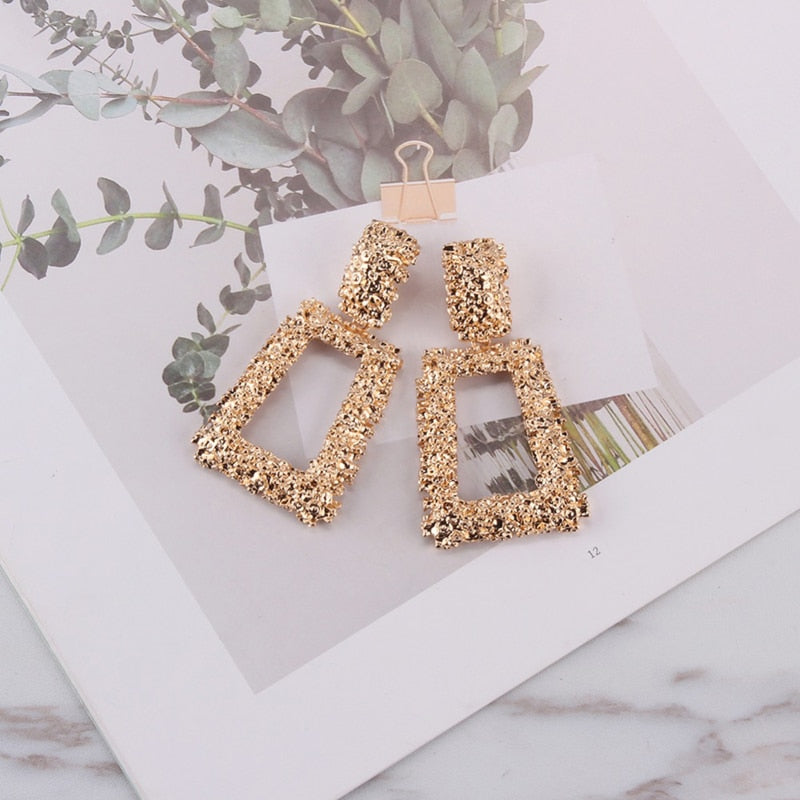 CAMELIA EARRINGS - Lupethelabel