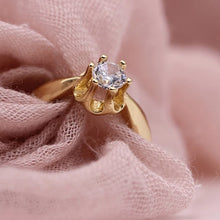 Load image into Gallery viewer, Lucinda Estate Solitaire Engagement Ring