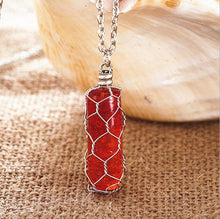Load image into Gallery viewer, Glowing Groove Crystal Necklace