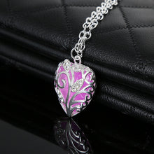Load image into Gallery viewer, Glow Love Necklace