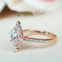Load image into Gallery viewer, Vintage Crystal Ring
