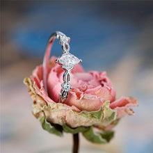 Load image into Gallery viewer, Luxury Crystal Marquise Ring