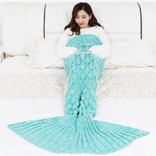 Load image into Gallery viewer, Hanmade Mermaid Snuggle Blanket