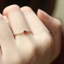 Load image into Gallery viewer, Cute Crystal Engagement Ring