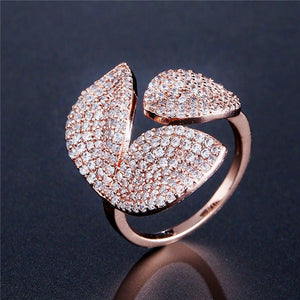 Elegant Leaf Vines Ring