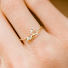Load image into Gallery viewer, Dainty Engagement Ring