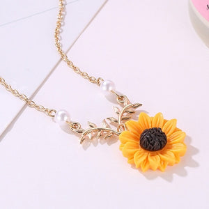 The Sunflower Pendant Necklace