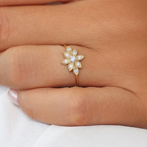 The Snowflake Ties Ring