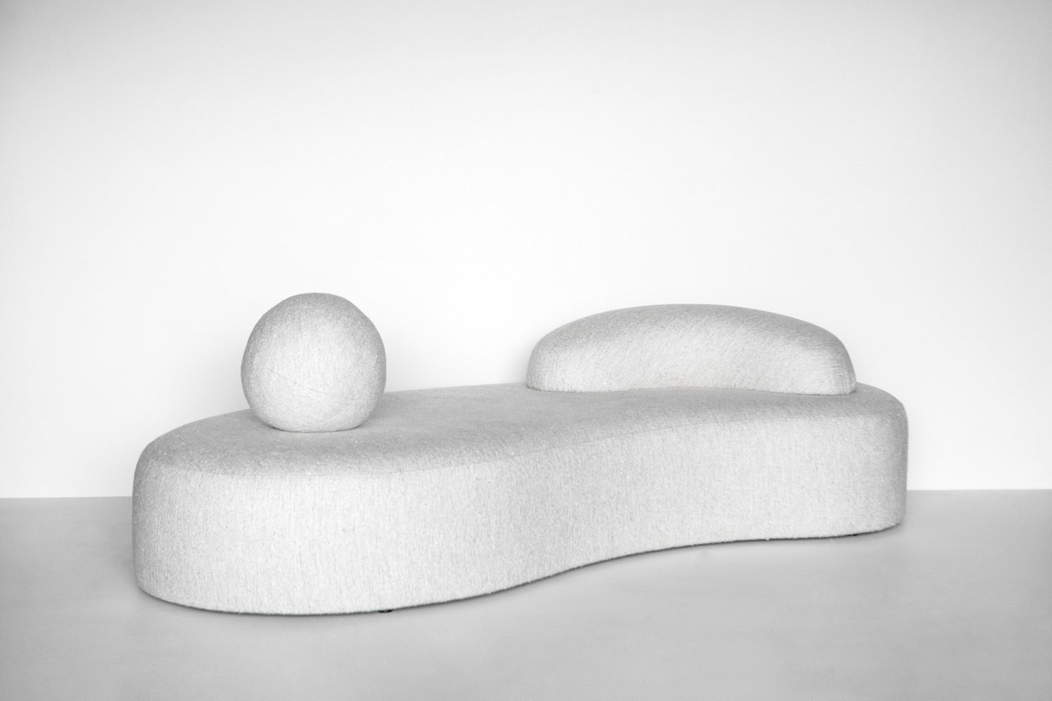 FFABB x SALON DESIGN Embrace your Curves Daybed