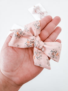 Greta Clip Bow (2 colors available)