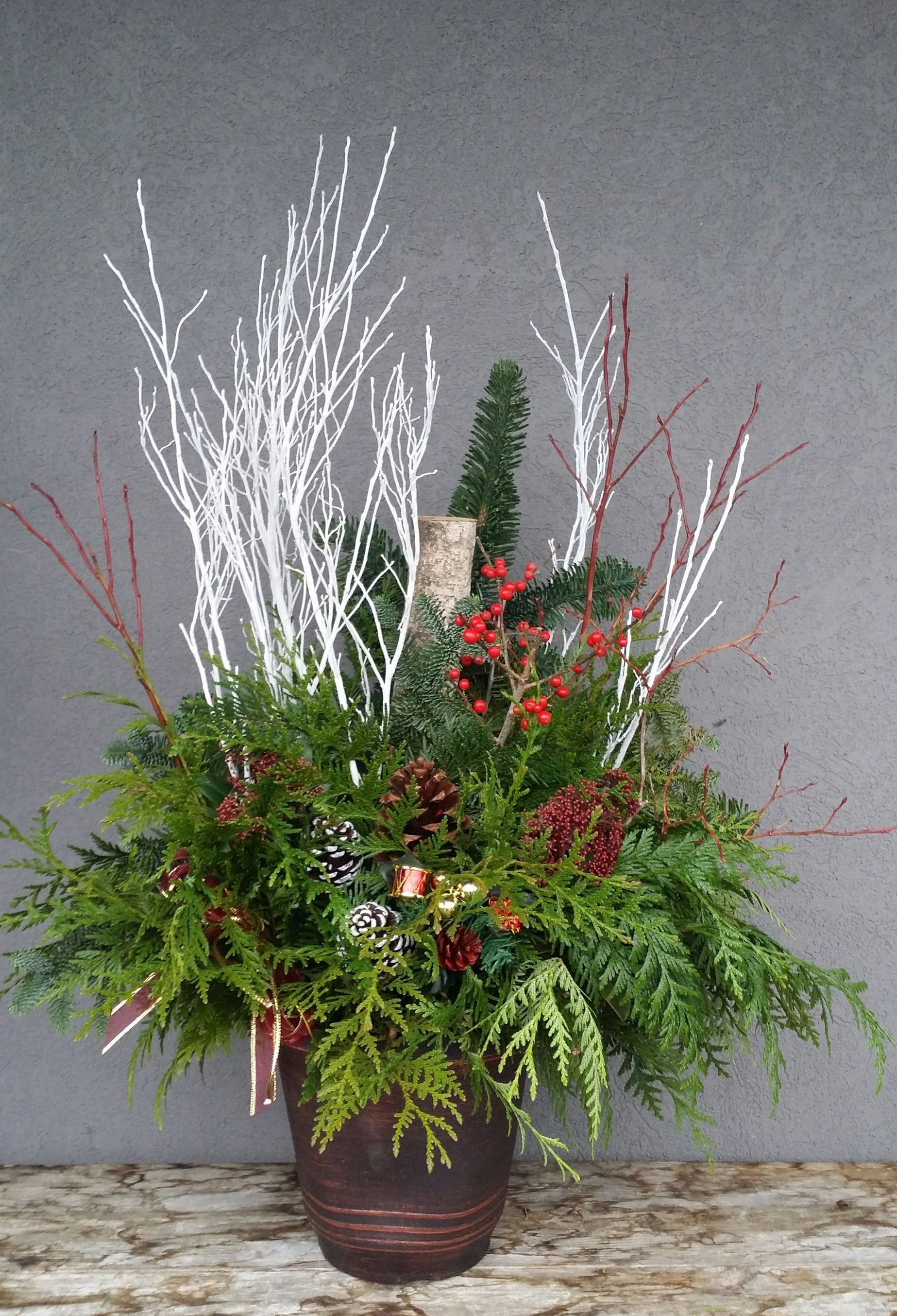 HX-15 Christmas Fresh-cut Arrangement