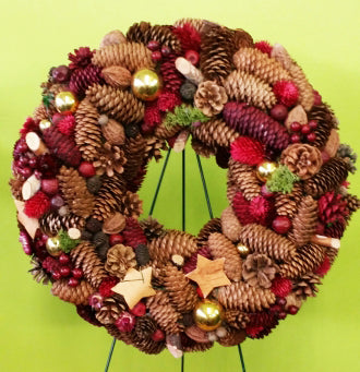 HX-02 Christmas Wreath With Pine Corn