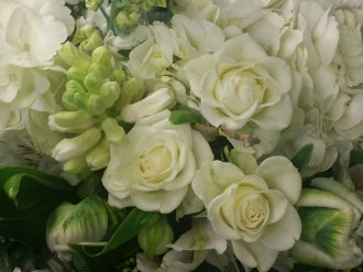 HC-050 White & Green Bouquet