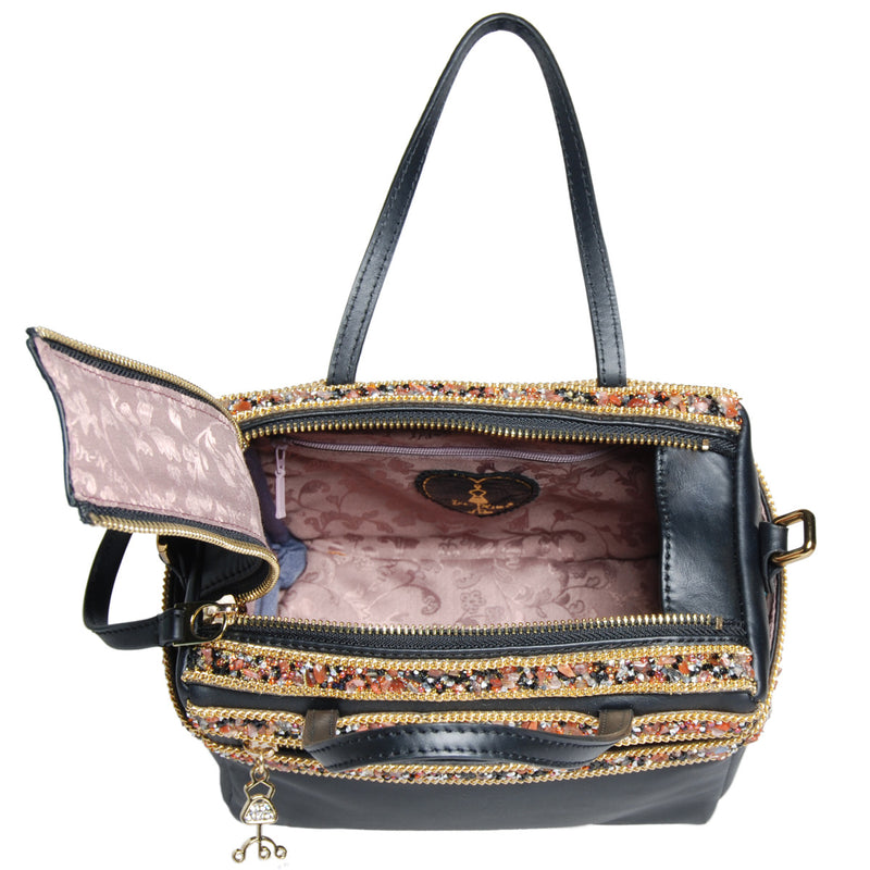 products/B_L42_14533_C_HENDRIX_II_embellishment_leather_bag_4.jpg