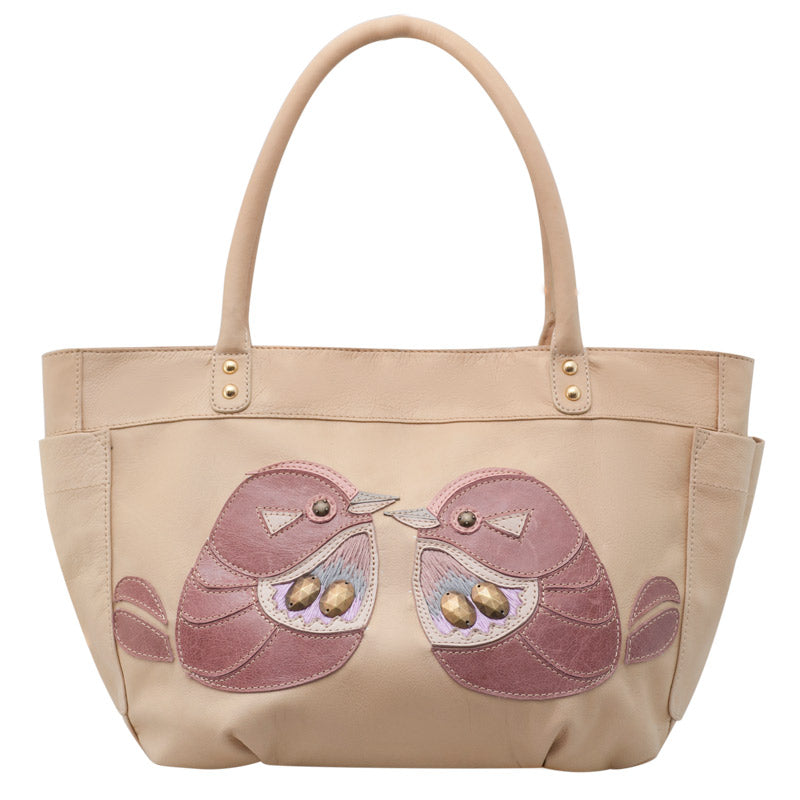 products/Leather_Applique_Tote_Akulet_Beige_1.jpg
