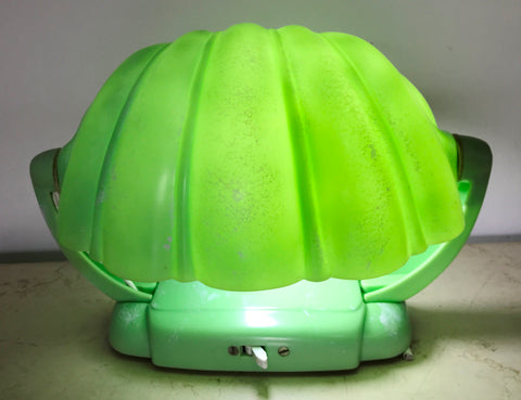 Vintage Clamshell Bakelite Table Lamp   eXibit collection