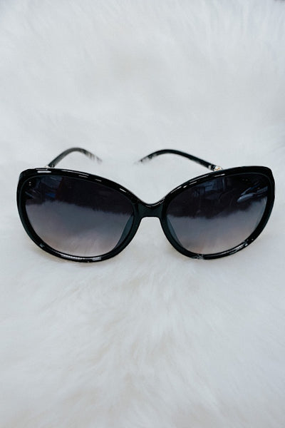 Round Fashion Sunglasses w pearl detail