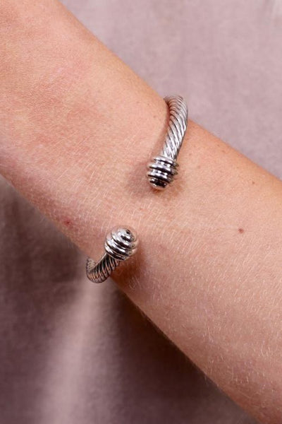Rena C Twisted Cuff