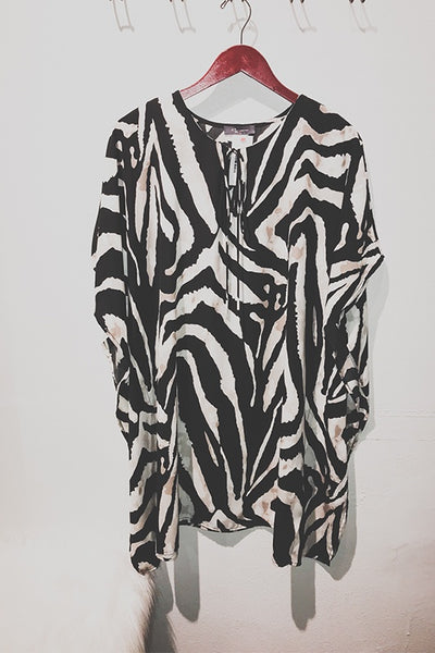 Center Keyhole Printed Tunic with Tie