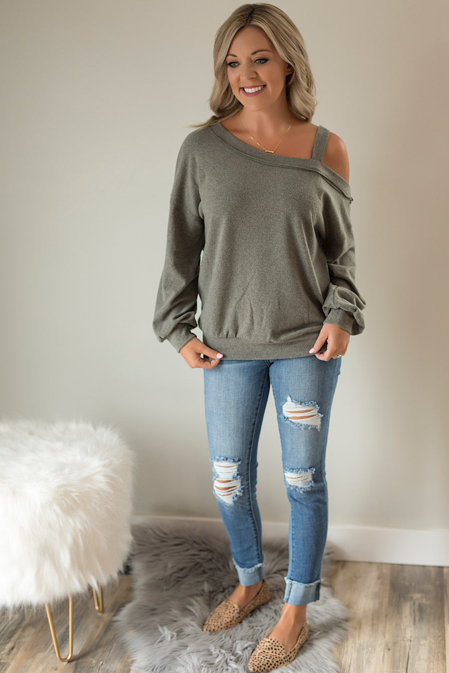 Olive a Saturday One Shoulder Top