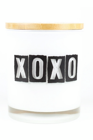 Unplug XOXO Candle in Gingerbread