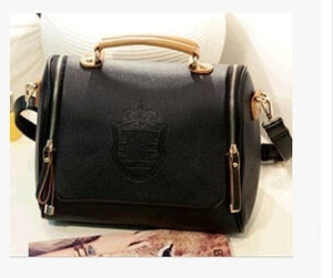 Double pull shoulder bag