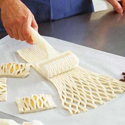 Image of Kitchen Gadget - Baking Tool Cookie Pie Pizza Pastry Lattice Roller Pies Cutter Craft Baking