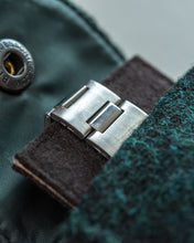 "Load image into Gallery viewer, Watch Carry Pouch In ""Crown Green"" Harris Tweed by Holland & Sherry"