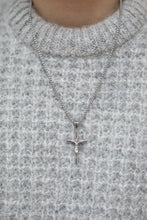 Load image into Gallery viewer, CRUCIFIX PENDANT - SILVER