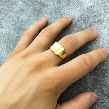Load image into Gallery viewer, SIGNET RING - GOLD