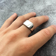 Load image into Gallery viewer, SIGNET RING - SILVER