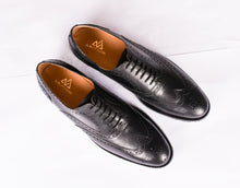 Black Brogues : The Vega in Black