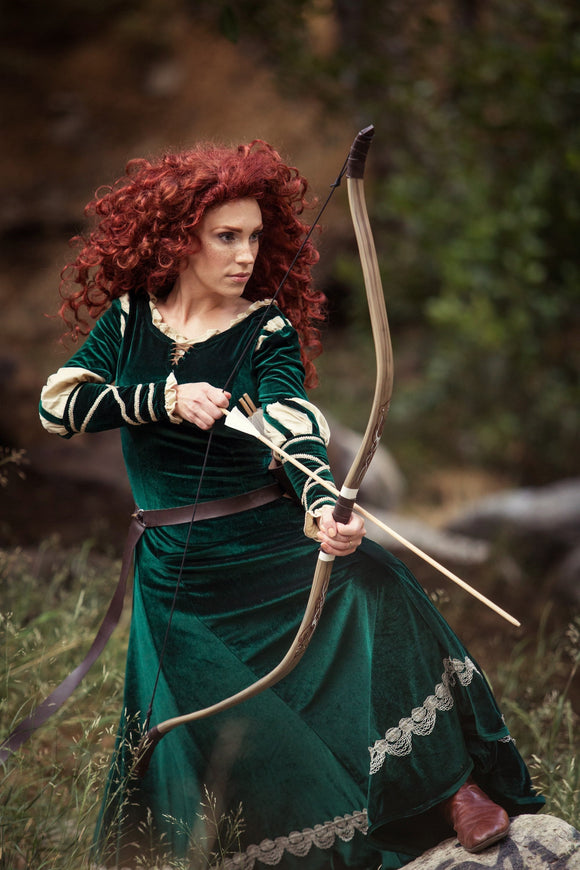 archery archer brave prop costume cosplay set bear recurve arrows quiver arrow bo hair red redhead irish celtic celt scottish princess disney merida