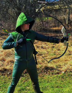 Green Arrow Season 1 TV show Bow Archery archer quiver arrows set riser origin cosplay replica recurve youth back oliver queen ollie fighting super hero superhero dc comic comic comicbook book