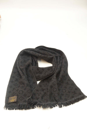LOUIS VUITTON BLACK SCARF