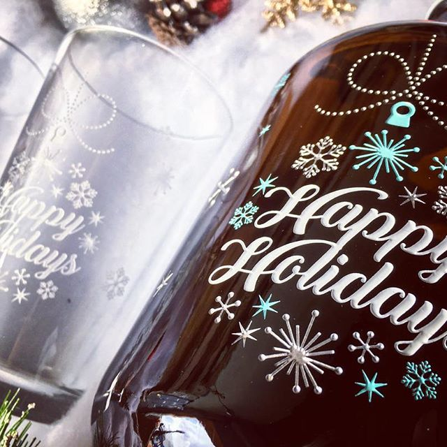 Happy Holidays custom etched beer growler and engraved pint glass