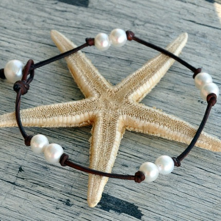 Destin Pearl and Leather Anklet